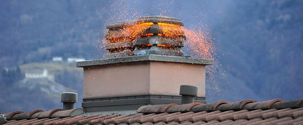 Esempi di incendi da canne fumarie: non sono sempre loro le colpevoli.